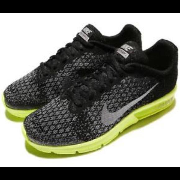 new styles 4d037 7dbda Nike Air Max Sequent 2 GS II Black Volt Running. M 5aebe6df331627c97cec5f99